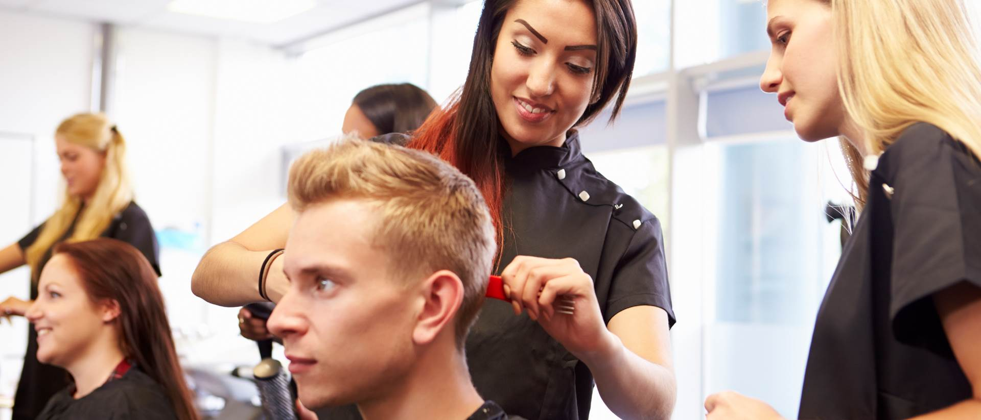 Hairdressing Apprenticeship Level 12, Level 12 - University College